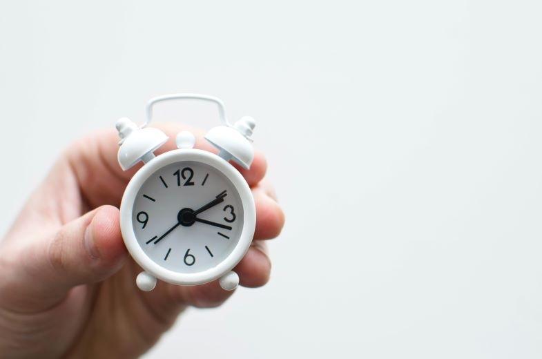 Clock to mark the hours of daylight for marijuana